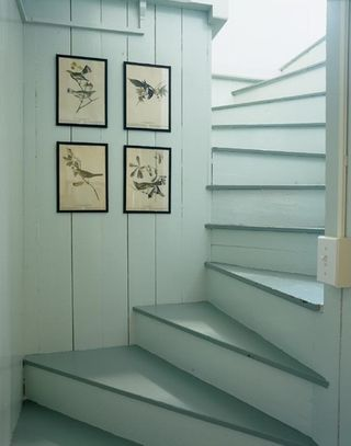 Hutker-oak-bluffs-stairway