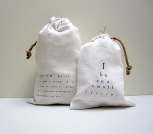 Give.present bags.small