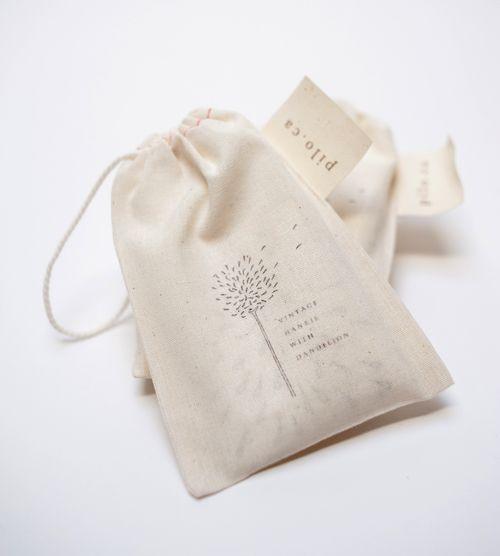 Dandelion hankie packaging