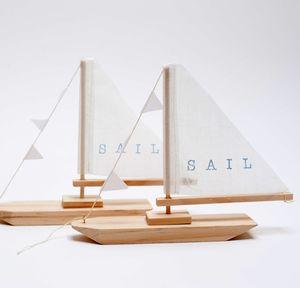 P i ' l o - sail boat-BRIKA